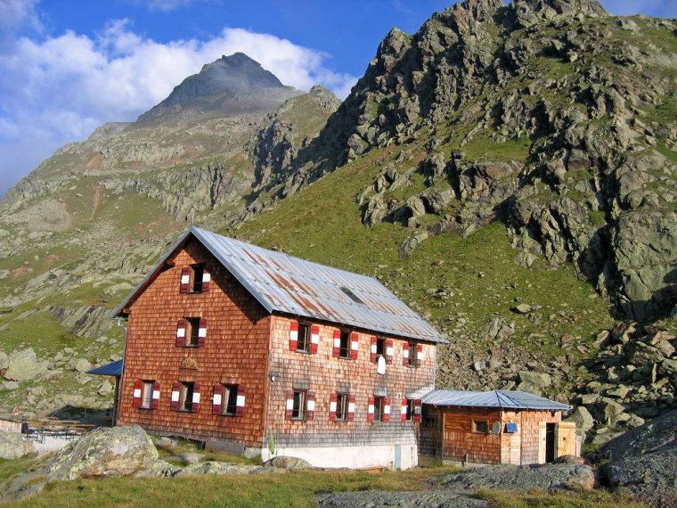 Morning has broken at Bremer hut (2413m) - © flickr user- Andreas
