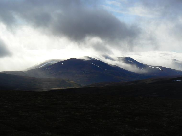 United Kingdom Scotland Cairngorms, Ben Avon, Hill fog wreathes Ben Avon , Walkopedia