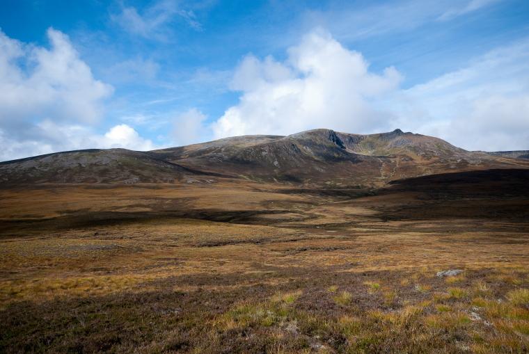 United Kingdom Scotland Cairngorms, Ben Avon, Ben a'Bhuird  from the east , Walkopedia