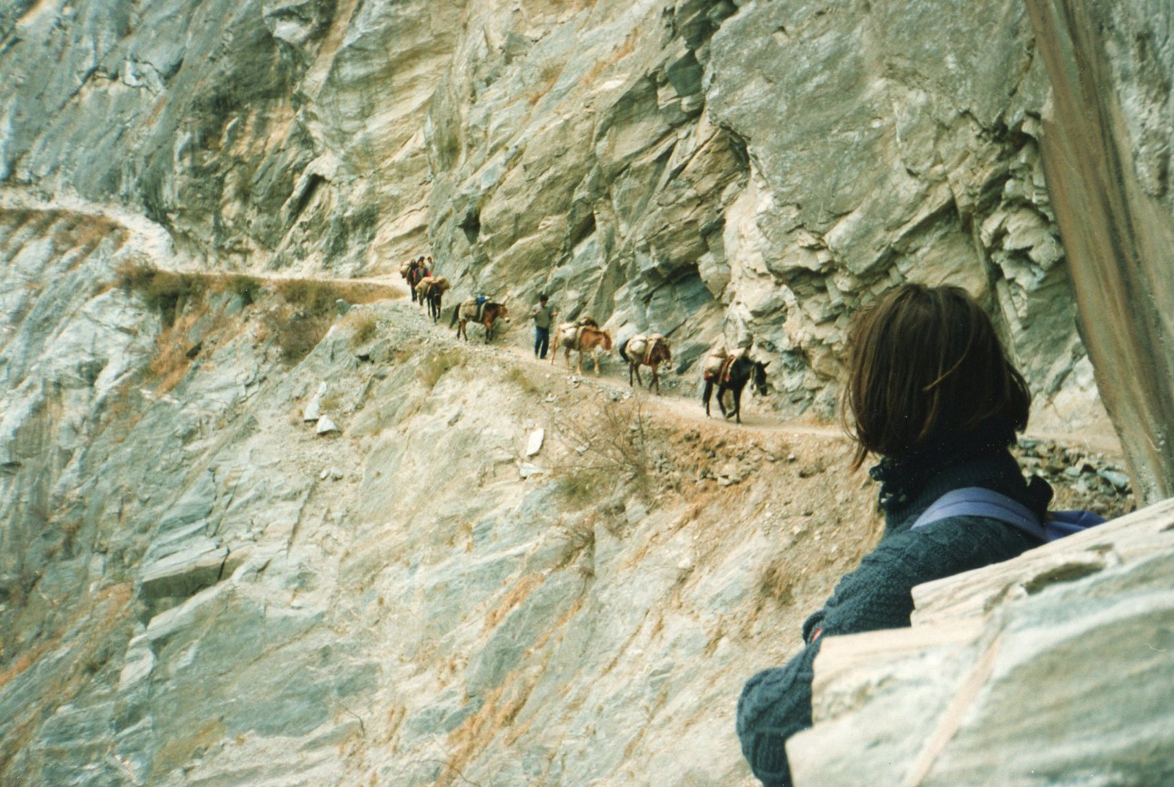 Tiger Leaping Gorge, old days as mule path - © William Mackesy