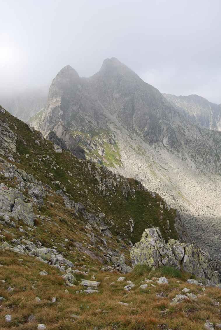 Retezat Mountain - © Wikimedia Contributor Thalpha