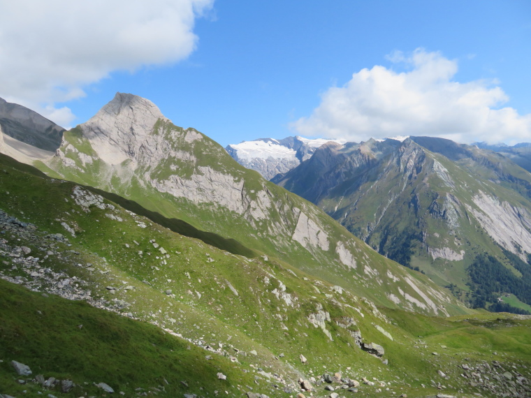 Austria Hohe Tauern, Sudetendeutscher Hohenweg , Gorssglockner ALMOST out of cloud, from Kals flank alternative, Walkopedia