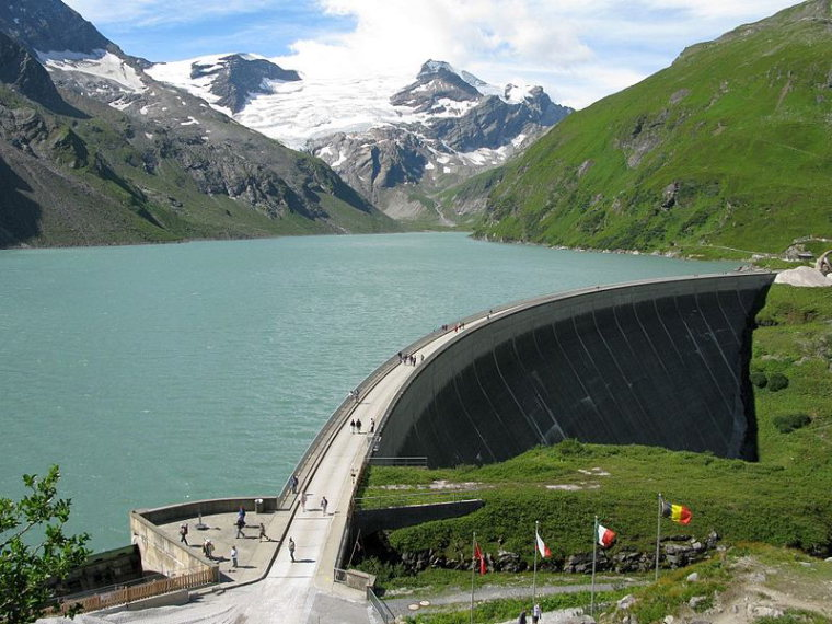 Mooserboden Dam, Kaprun Valley  - © wiki user Leo-seta