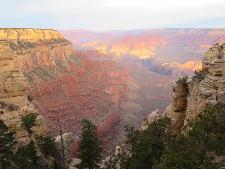 Crossing the Canyon : South Kaibab, first light, from near Yaki Point (1) - © William Mackesy