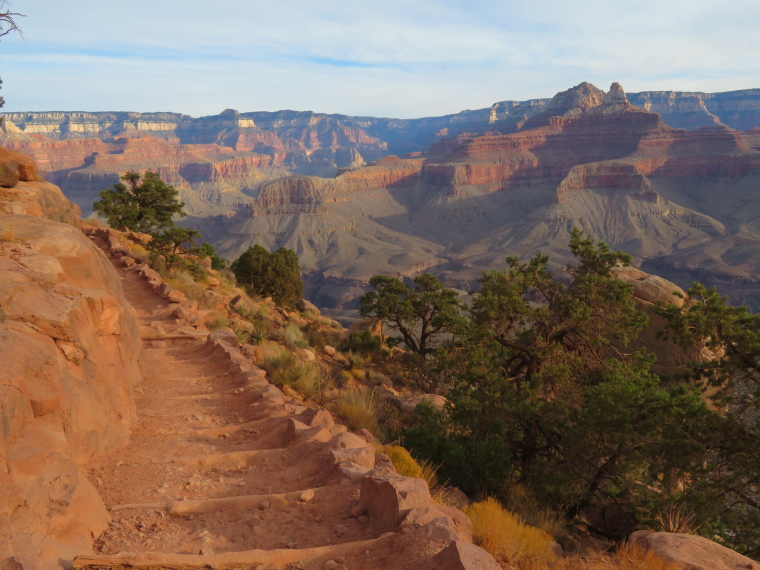 Crossing the Canyon : South Kaibab - © William Mackesy
