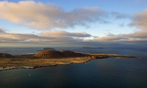 Spain Canary Islands: Lanzarote, Isla Graciosa , Isla graciosa , Walkopedia