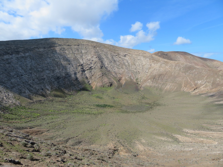 Spain Canary Islands: Lanzarote, Caldera Blanca , The Caldera, Walkopedia