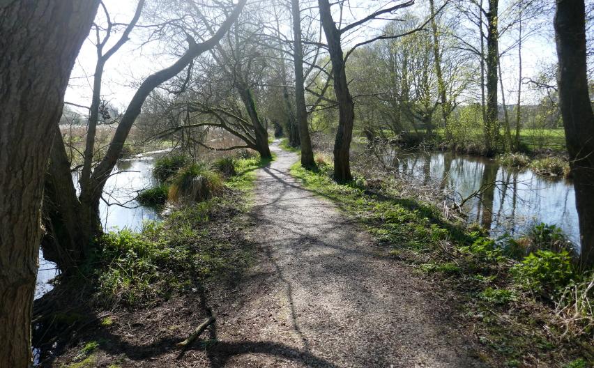 United Kingdom England South, Winnall Moors, The Path Between The Rivers, Walkopedia