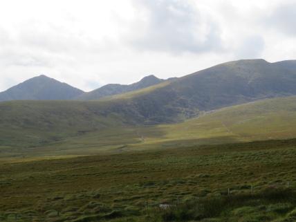 Ireland Kerry/Cork, Ireland's SW Peninsulas, Mt Brandon from Dingle Way, Walkopedia