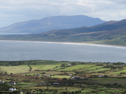 Ireland Kerry/Cork, Ireland's SW Peninsulas, Dingle Way, Mt Brandon northern slopes looking east, Walkopedia