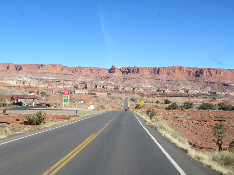 USA SW: Capitol Reef, Capitol Reef , Approaching CR from west, Walkopedia