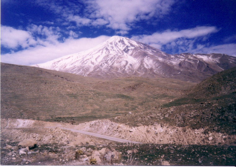 Damavand: Damavand from polur in winter - © Wiki user Alireza Javaheri