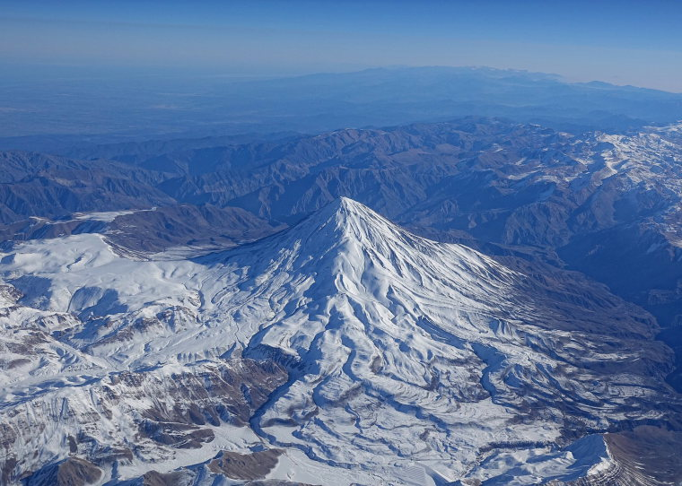 Damavand - © Wiki user Bjorn Christian Torrissen