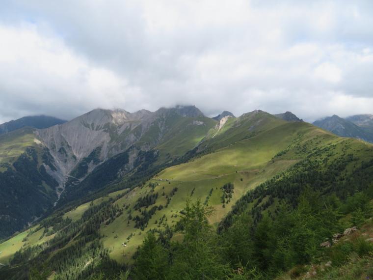Austria Hohe Tauern, Granatspitze Ridge, Euopa Panoramaweg - north up west side of  Granatspitze ridge to Kendl Spitze, Walkopedia