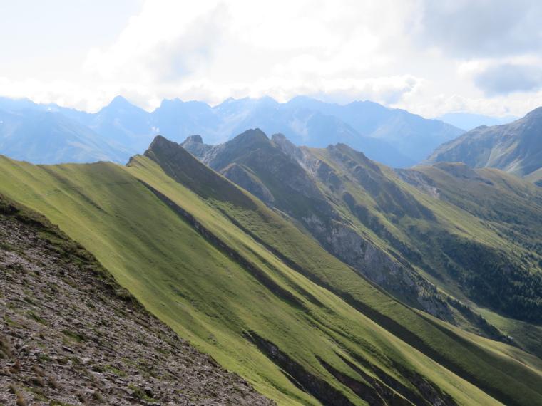 Austria Hohe Tauern, Granatspitze Ridge, South along Sudetendeutscher Hohenweg, down lower Granatspitz ridge, Walkopedia