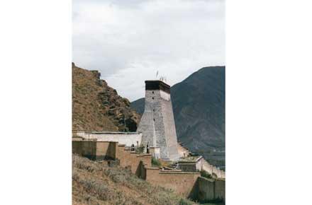 China Tibet, Tashilhunpo Kora, Tashilumpho Kora - great mandala wall, Walkopedia