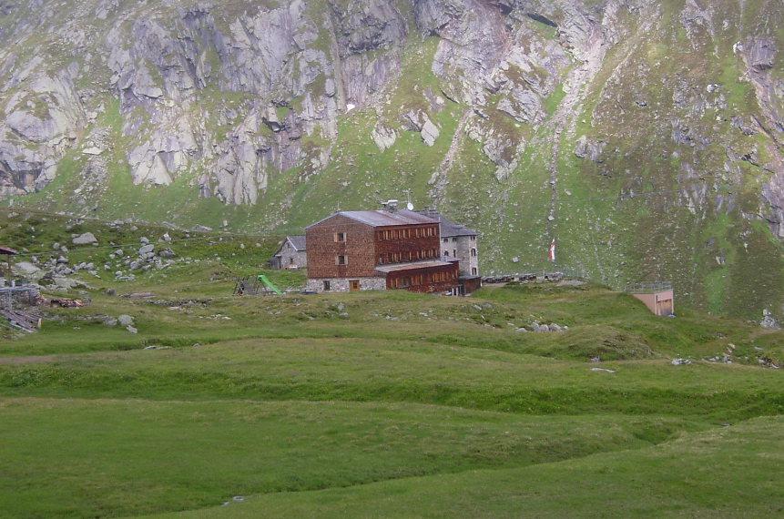Austria Hohe Tauern, Above Virgental Valley, Essener-Rostocker-Hutte , Walkopedia
