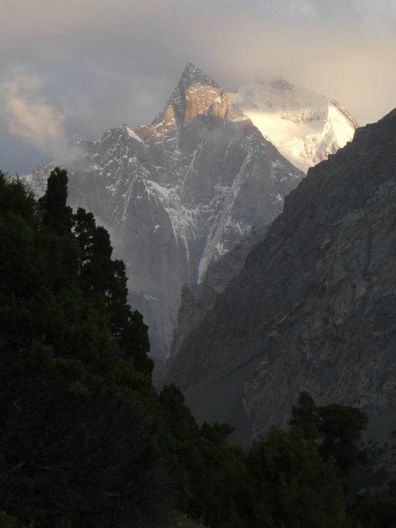 Pamir-Alai Mountains: Ak-suu - © Nick Ince