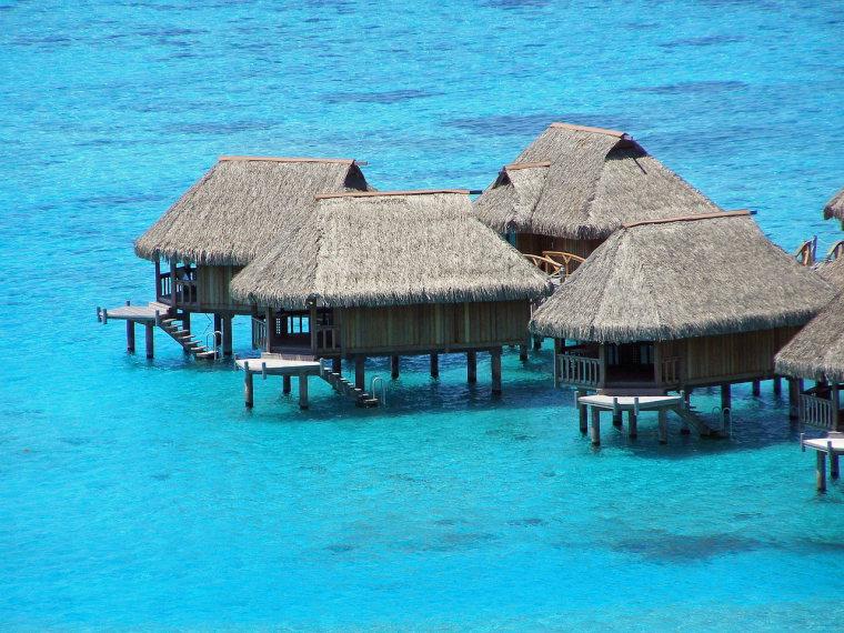 Moorea Huts  - © pixabay user ArvidO