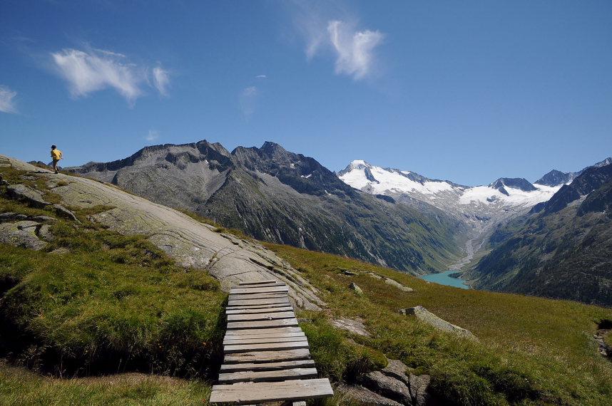 Austria Zillertal Alps, Zillertal Alps, Berliner Hohenweg Nr 526 uber dem Schlegeisspeicher, Walkopedia