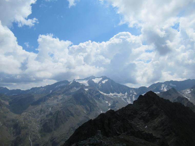 Mairspitze: South along high Mairspitze ridge - © Will Mackesy