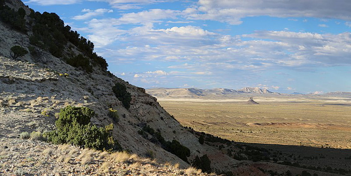 Great Basin Divide, Wyoming: Boars Tusk from White Mountain - © Wiki user Ed Ogle