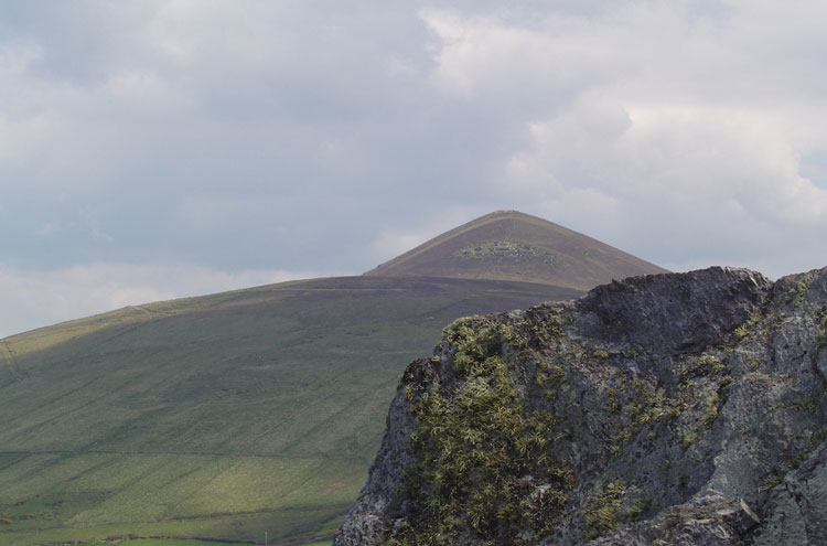 Mountains on the Dingle Peninsula - © By Flickr user MauraNeill