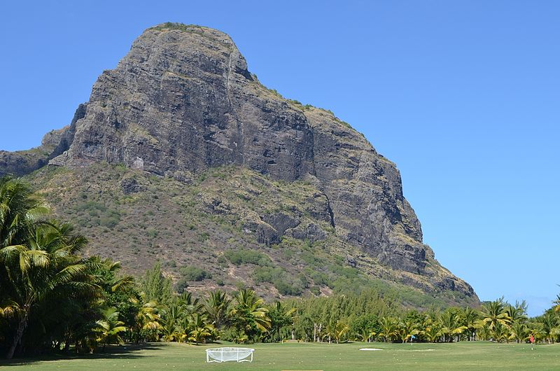 Le Morne Brabant: Le Morne, Mauritius - © wiki user Mdavid89