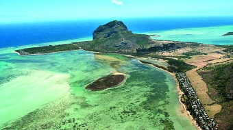 Le Morne Brabant: Le Morne  - © wiki user Sacalavou
