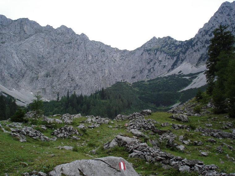 Austria, Northern Limestone Alps, Kaisergebirge - Pyramidenspitze , Walkopedia