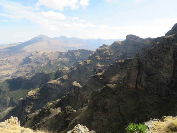 Ethiopia Simien Mts, Mt Buahit, Morning light, escarpment edge, Walkopedia