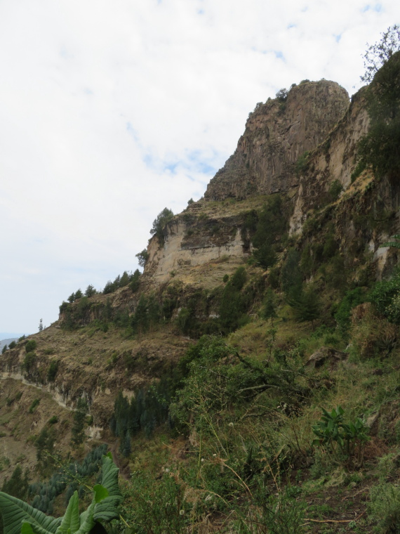 Ashetan Maryam: Cliff path - © William Mackesy