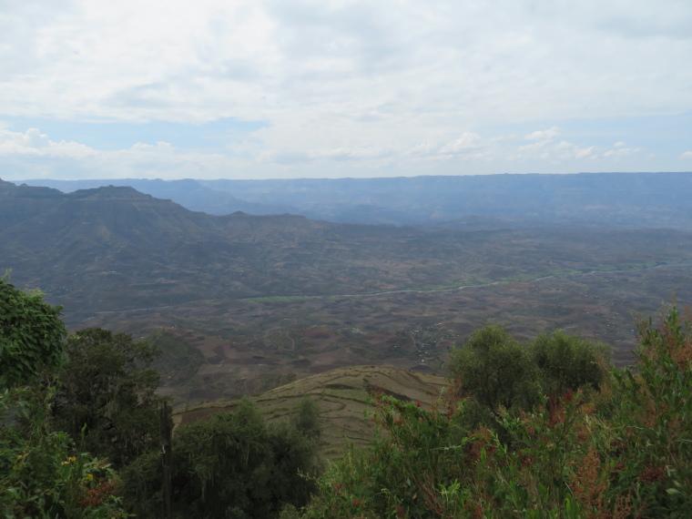 Ethiopia Lalileba Area, Ashetan Maryam, Huge view from AM, Walkopedia