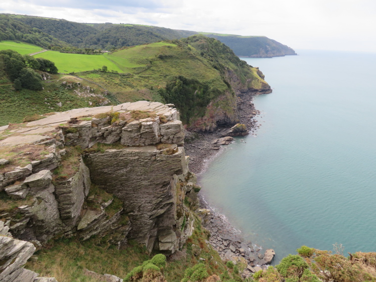 United Kingdom England South-west Exmoor, Exmoor, C path, looking west from Castle Rock, west of Lynton, Walkopedia