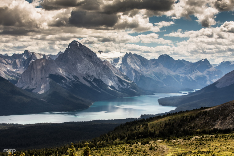 Jasper NP: A closer look at Maligne Lake from Bald Hills - ©  Flickr user mzagerp