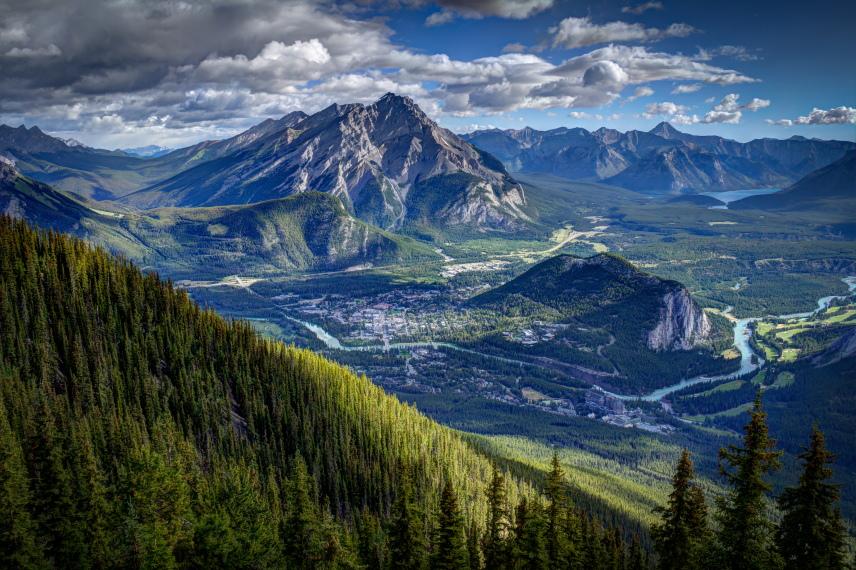 Canada Alberta: Jasper NP, Sulphur Skyline, View from Sulphur Mountain, Walkopedia