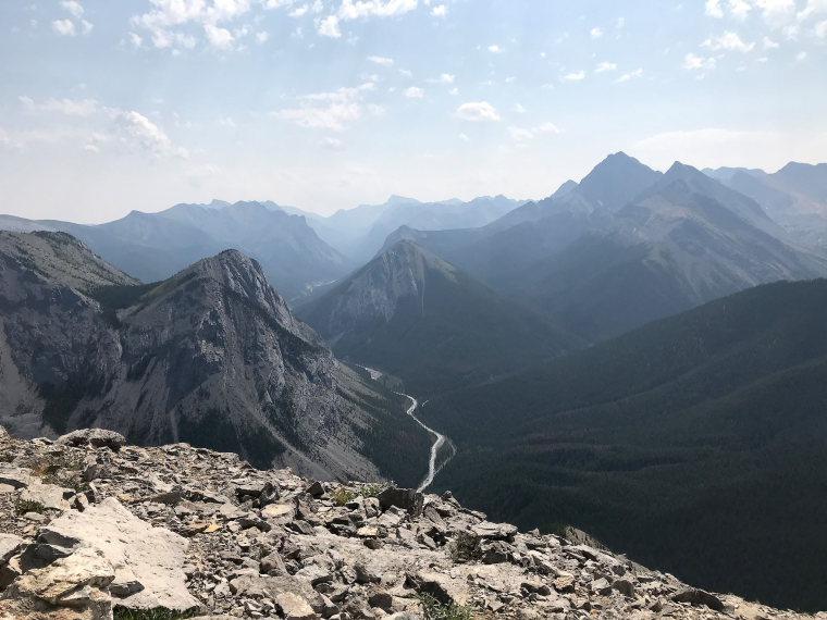 Canada Alberta: Jasper NP, Sulphur Skyline, Looking up the Fiddle River Valley from Sulphur Skyline, Walkopedia