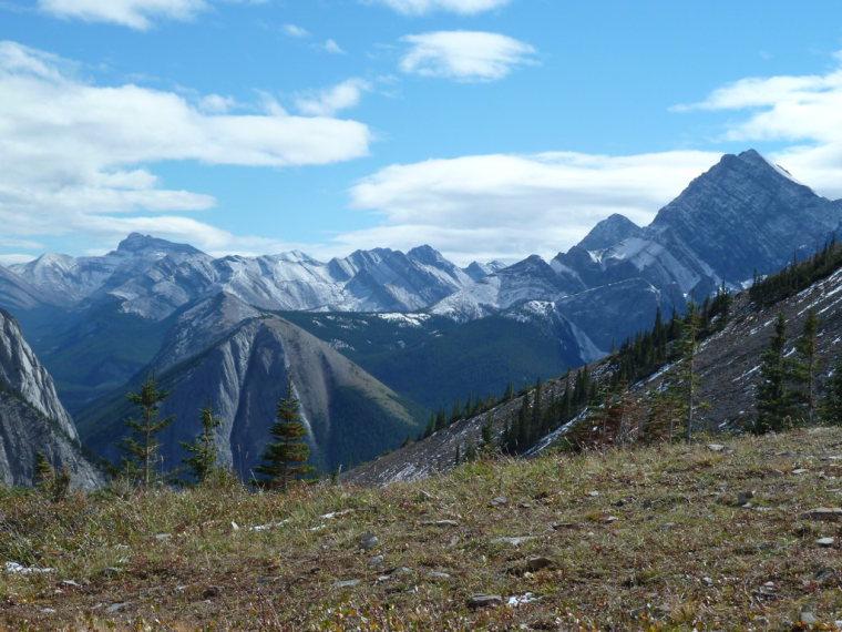Canada Alberta: Jasper NP, Sulphur Skyline, View from Sulphur Ridge, Walkopedia
