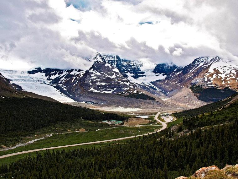 Canada Alberta: Jasper NP, Wilcox Pass, Columbia Icefield from Wilcox Pass, Walkopedia