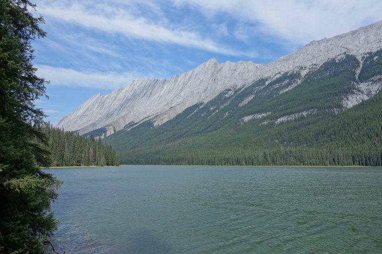Beaver Lake to Jacques Lake: Beaver Lake - © Flickr user Olivier Bruchez