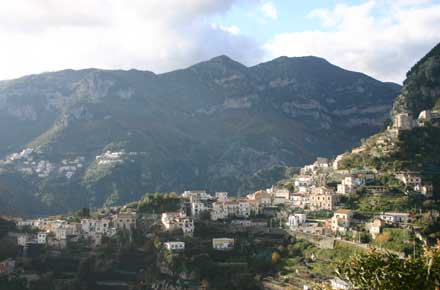 Italy Amalfi Coast, Around Ravello, Looking inland, Walkopedia