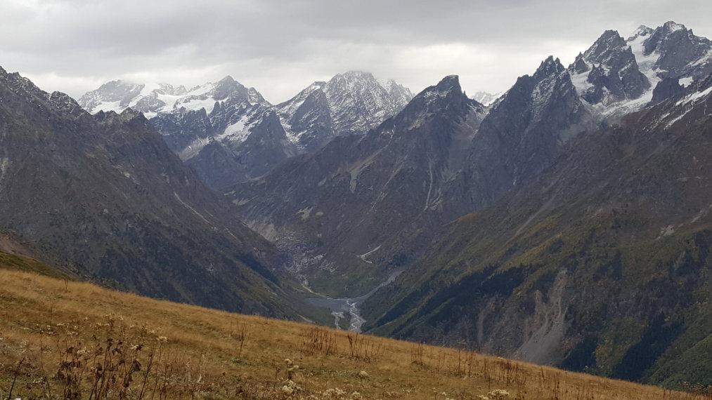 Koruldi Lakes: Upper Mestia valley to border ridge - © William Mackesy