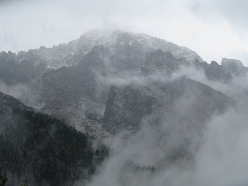 Georgia Gt Caucasus Svaneti, Becho Valley,  Mysterious, misty high peaks, Walkopedia