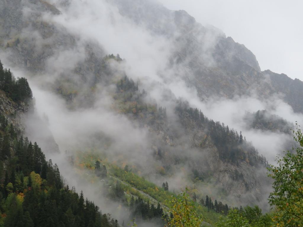 Georgia Gt Caucasus Svaneti, Becho Valley, Think Chinese painting, Walkopedia