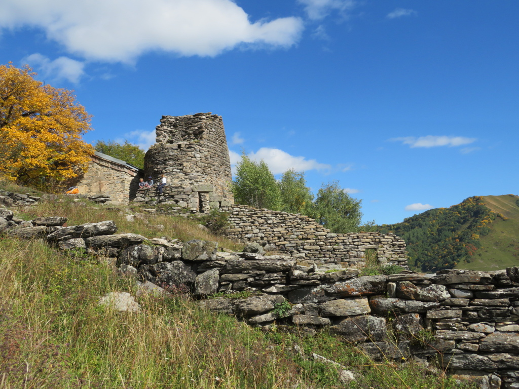 Khada Valley and Fire Cross Tower: Ruined steading - © William Mackesy