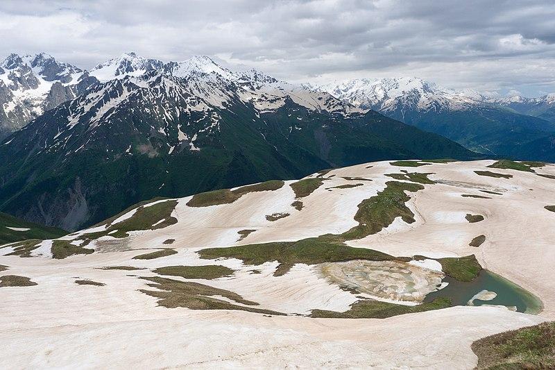 Guli Pass: Koruldi Lakes  - © Wiki Commons Alexey Komarov