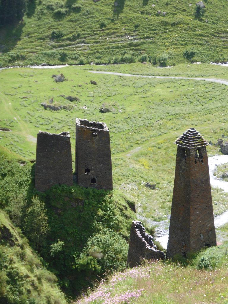 Tusheti and Khevsureti: Dartlo towers
