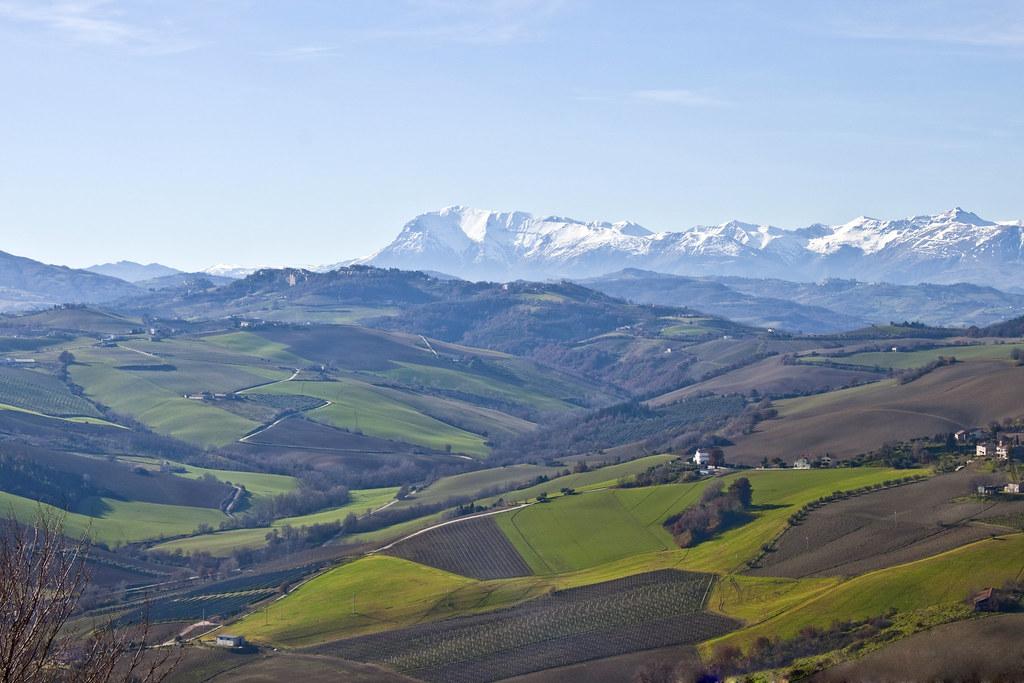 Monte Vettore : Monte Vettore e la Valle del Menocchia - © Flickr user Mariano Pallottini
