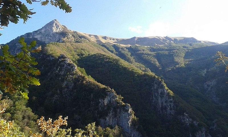 Monte Priora: Sperone di Monte Pizzo(Monte Priora)  - © Wikimedia FedeGrad