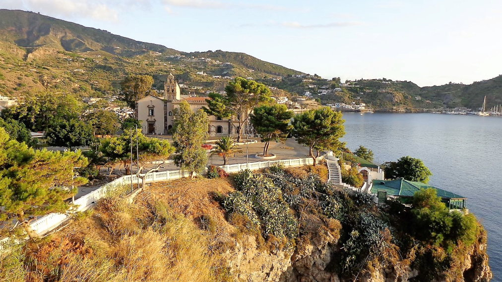 Aeolian Islands: Lipari - © wikipedia user Effems...